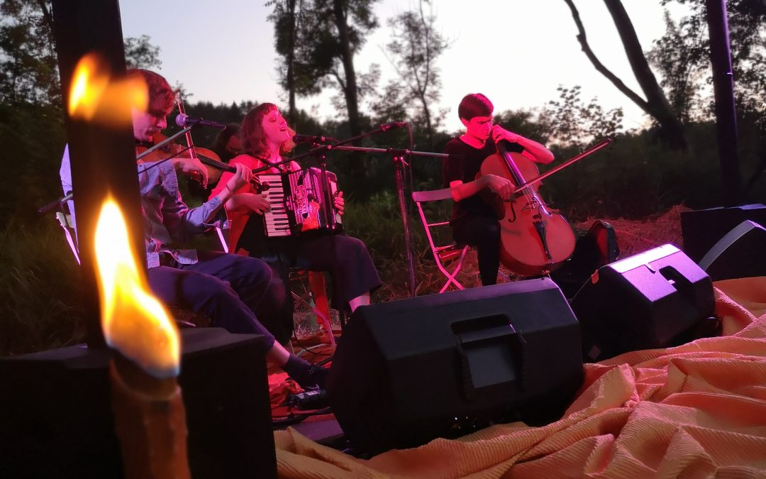 Juli 2020 – Picnic in Orange – Alicia Edelweiss
